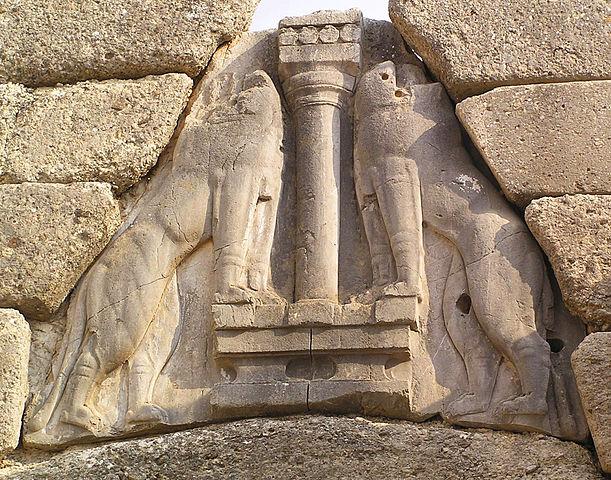 Барельеф на Львиных воротах в Микенах