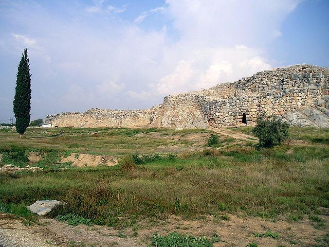 Руины города Тиринф