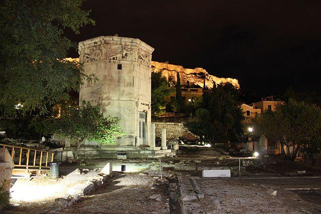 Башня Ветров ночью